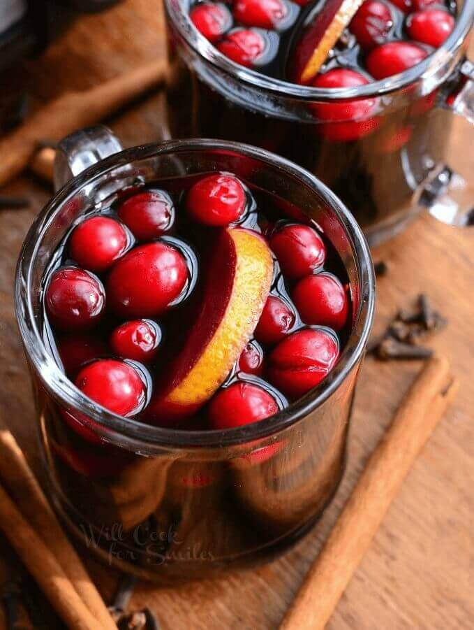 Crock Pot Spiced Orange Cranberry Sangria