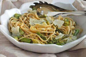 whole-wheat-pasta-with-lemon-and-asparagus_604