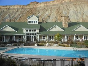 wine country inn palisade - Mile High Wine Tours